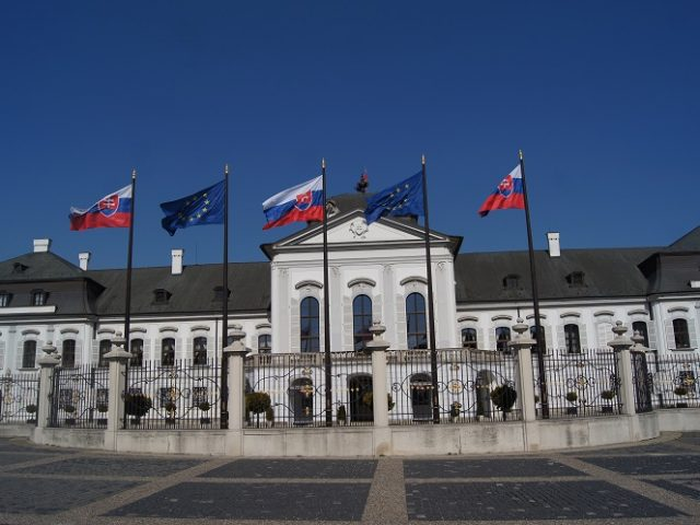 Czechs have best relations with Slovaks – poll