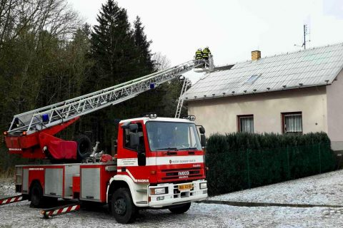 South Moravian firefighters saved almost 1,000 people in traffic accidents in 2017