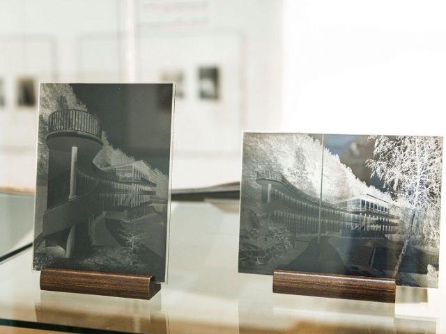 Museum at Špilberk presents interwar photography and glass art this summer