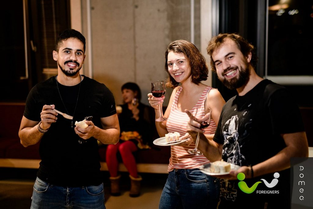 Foreigners Brno Invite to St. Valentine's Karaoke MeetUp