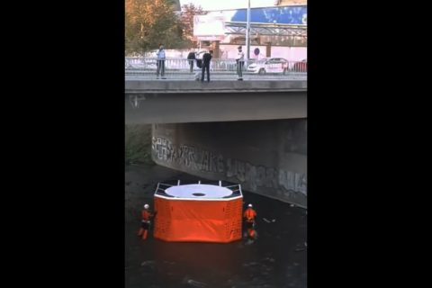 Video: Suicidal Man Saved by Czech Police in Brno