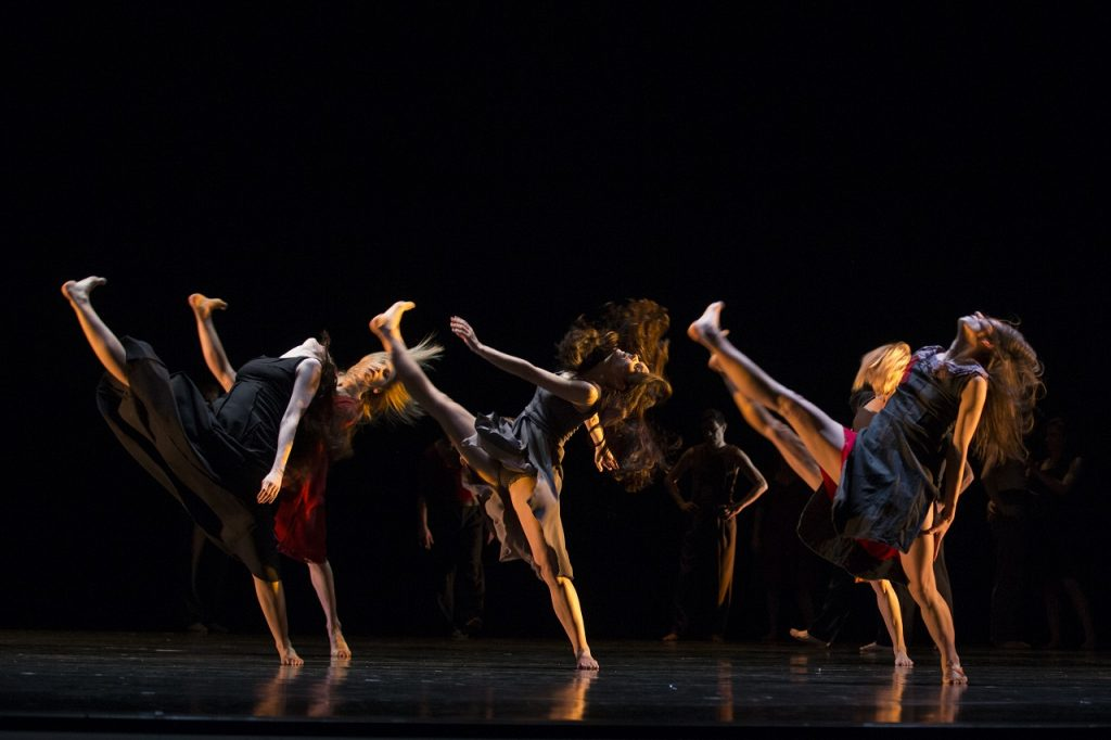 "Ballet of the Slovenian National Theatre performing ""Cantata"". Photo: Courtesy of NdB."