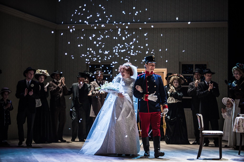 December in Theatre: Christmas Spirit with the World-Famous