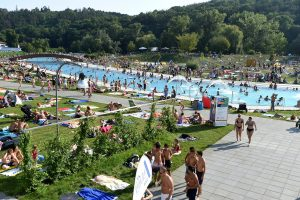 """Riviera Swimming Pool To Host """"Farewell To Summer"""" Concert"""
