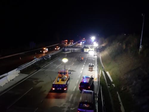 HZS Středočeského kraje - d1 highway prague brno incident 02