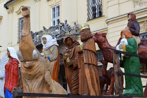 christmas-installations-ferris-tree-nativity-credit-KB-Bd (4)