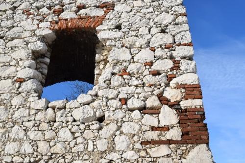 devicky-castle-Pavlov-ruins-credit-KB-BD (1)