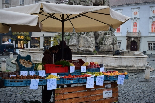 zelny-trh-veg-market-credit-KB-BD (1)